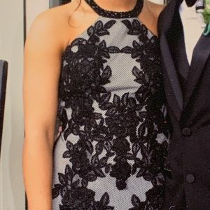 Prom dress Black size 4 Faviana- (Be Social)